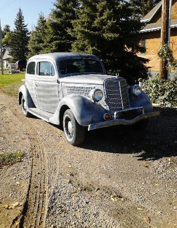 1935 FORD 2 DOOR SLANT BACK SEDAN