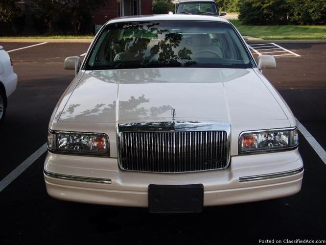 1995 Lincoln Town Car Cartier edition - Price: 5500 in Louisville ...