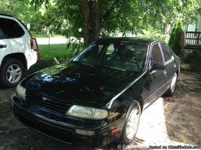 1996 Nissan Altima GXE Black 4-Door 160K Miles
