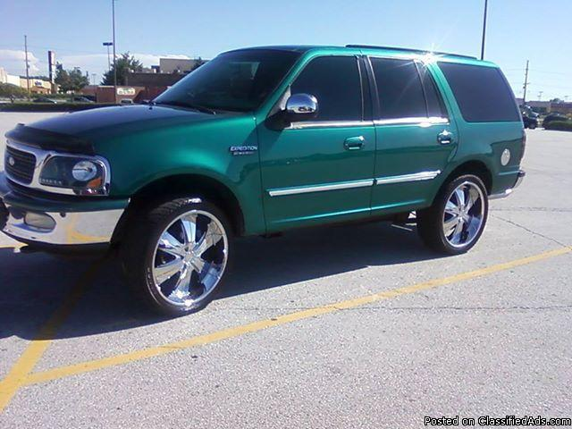 1997 ford expedition, stock tires included with smoked stocked rims,& 24S