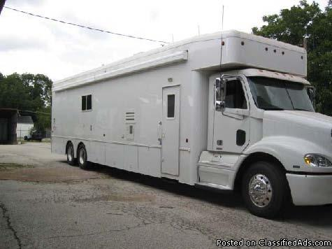 2006 United Specialties 24 39 Motorhome With 10 39 Garage