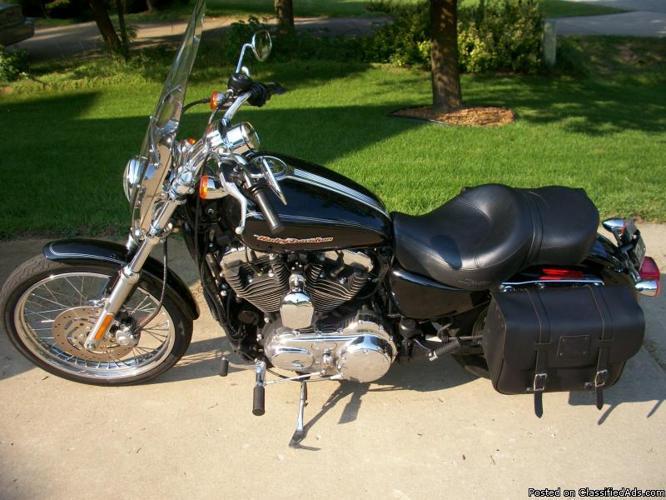 2007 Harley 1200 Custom Like New