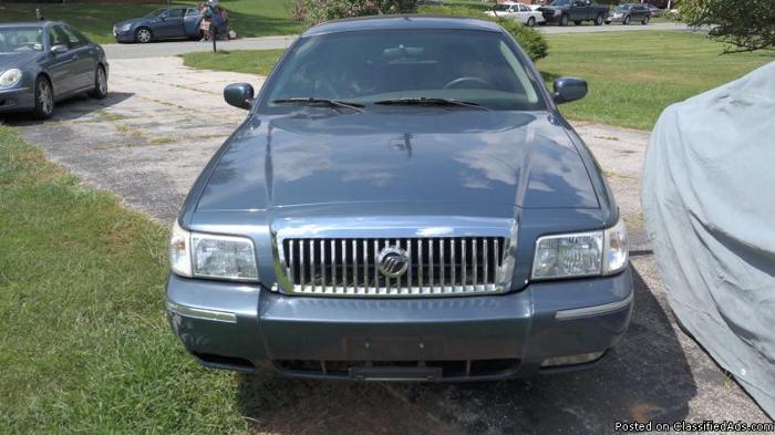 2007 Mercury Grand Marquis Super Clean Selling ASAP