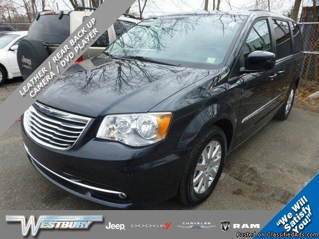 2013 Chrysler Town & Country at Westbury Jeep Chrysler Dodge in Westbury Stock#: R14994