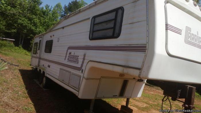 36' Fifth Wheel, washer dryer, full bath $3100 obo