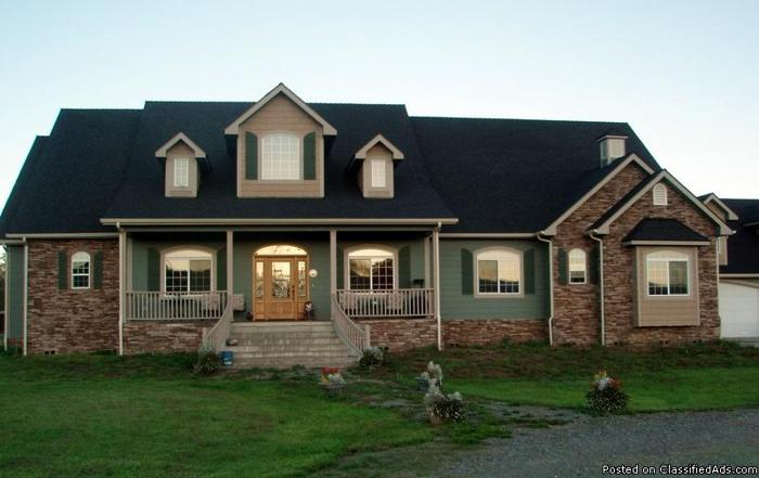 Affordable Luxury on the Golf Course with Acreage and Mountain Views - Price: 579900