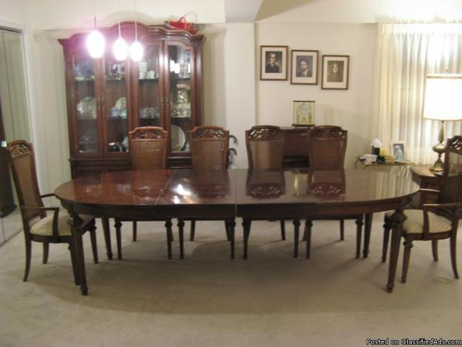 beautiful 8 piece thomasville formal dining room set price