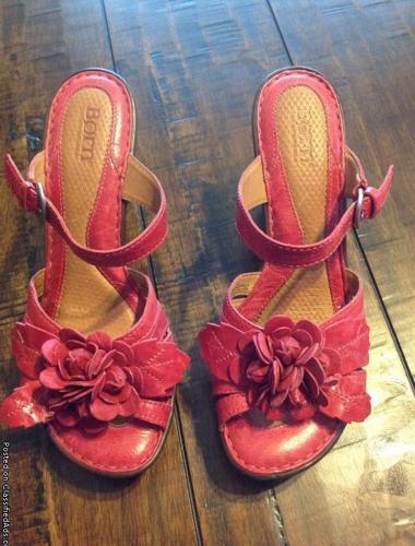 Born sandals-pink size 8