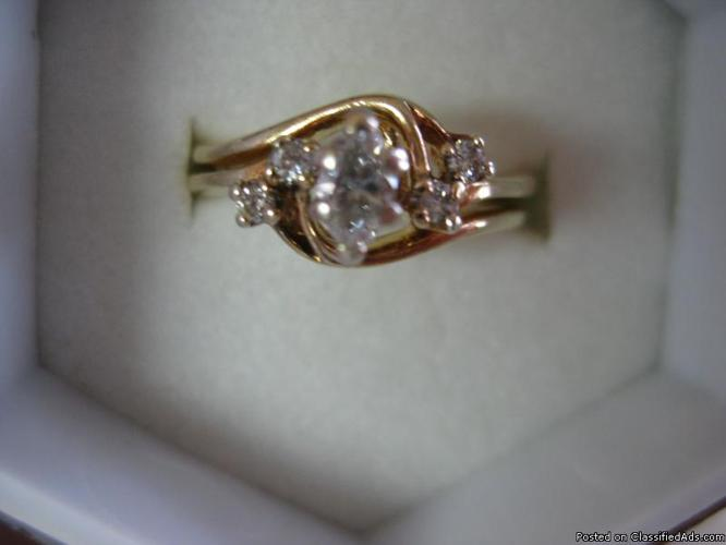 Bridal Set 14k yellow gold Marquis with 4 diamond accents - Price: $200.00