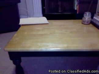 coffee table - Price: $15