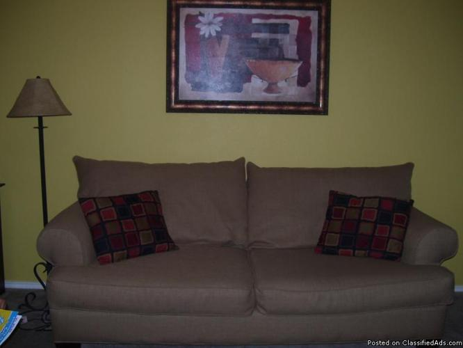 couch - Price: $200.00