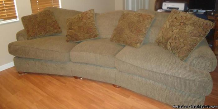Couch / Sofa Brown w/ pillows - Price: $250.00 obo