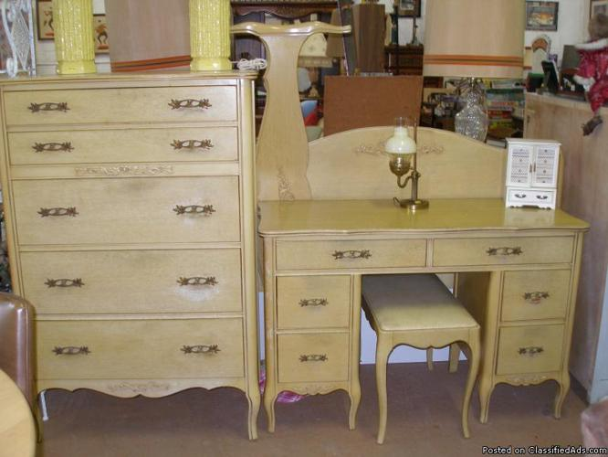 French Provincial Bedroom Set Price In Clawson Idaho