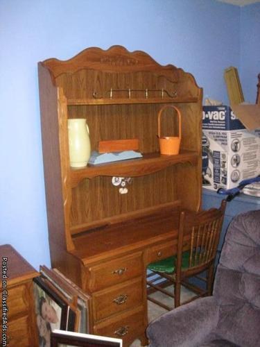 Girls Stanley Bedroom Set - Price: $500