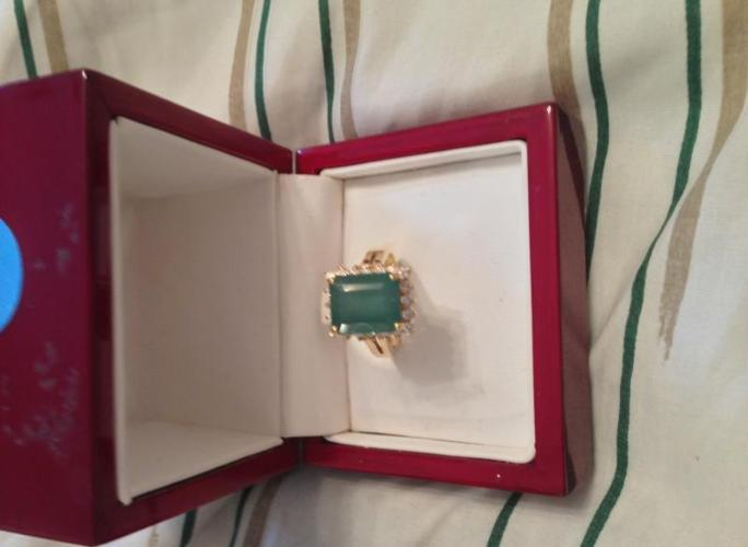 Jewelry ( Emerald and diamond ring )