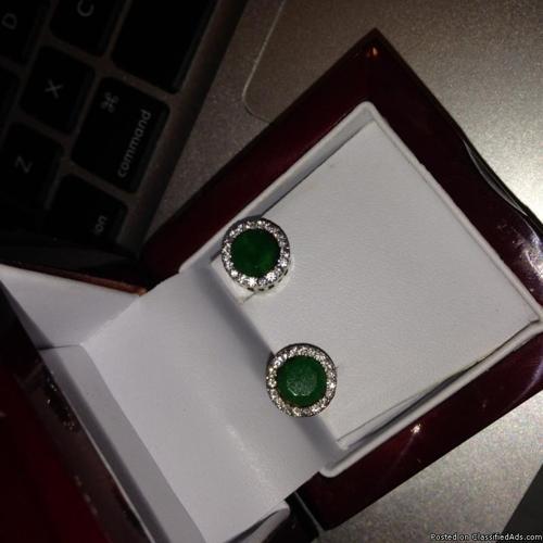 Jewelryemerald & diamonds earrings