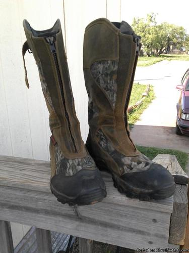Like new Camo nsulated Rubber Boots