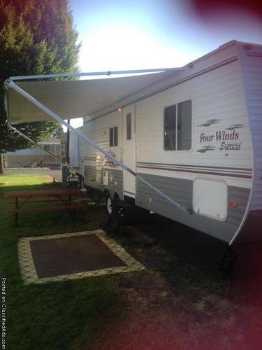 MUST SALE this week 2006 travel trailer