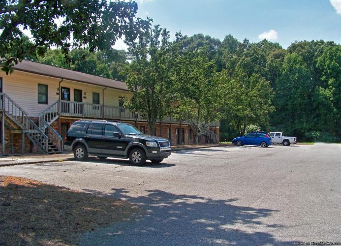 *NEWLEY RENEVATED* MUST SEE Townhomes and Apartments! 1 & 2 Bedroom!