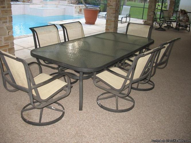 Patio Furniture Set - Price: $500