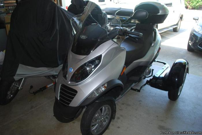 piaggio mp3 250 scooter/motorcycle with warranty - price: $7,999