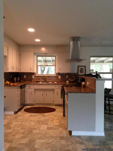 PRICE REDUCED!! Single Family Home (Pensacola, FL)
