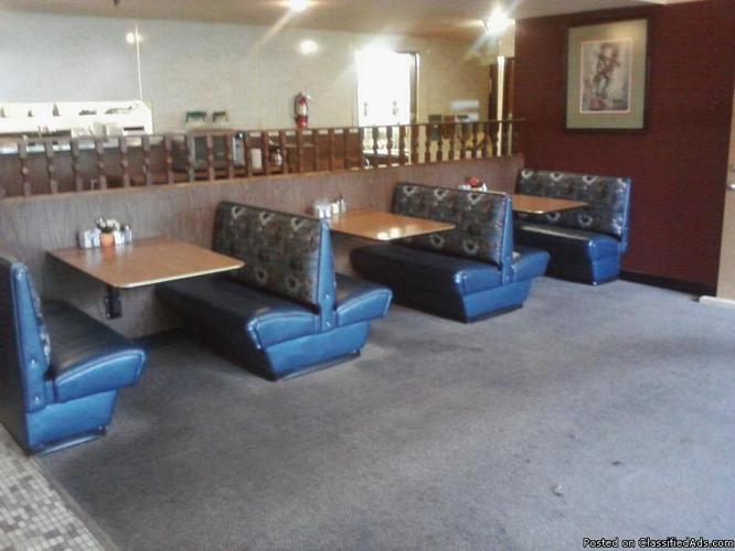 Resturaunt seating for 75 price 2000 in tacoma for Furniture upholstery tacoma