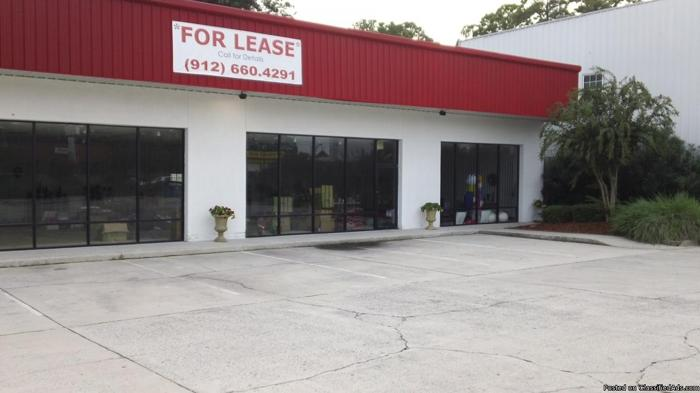 Retail/Commercial/Office Space Now Available Derenne Avenue