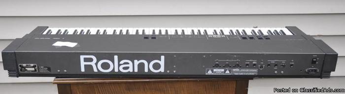 ROLAND ELEC. PIANO W/ANVILE ROAD CASE - Price: $350.00