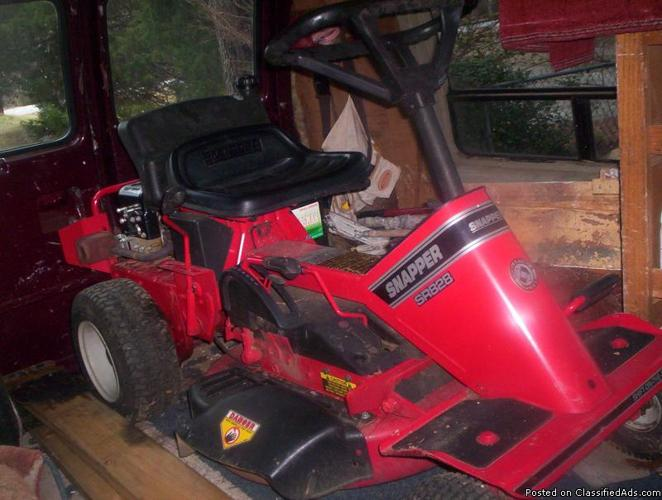 SNAPPER LAWNMOWER - Price: 550