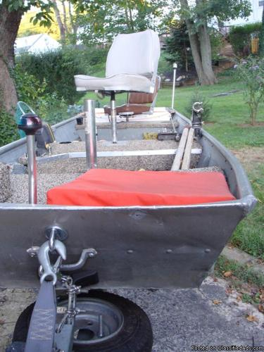 Used aluminum14 ft jon boat package with trailer and Aluminum boat and motor packages